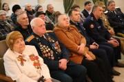 Слева участница Сталинградской битвы М.Я. Яковенко